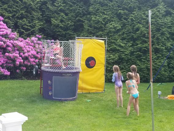 Dunk-Tank-Game-For-Kids.jpg