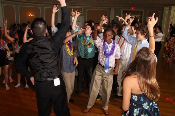 Teens-Dancing-With-Professional-Mc.JPG