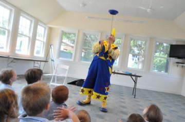 Clown-Balancing-Trick.jpg