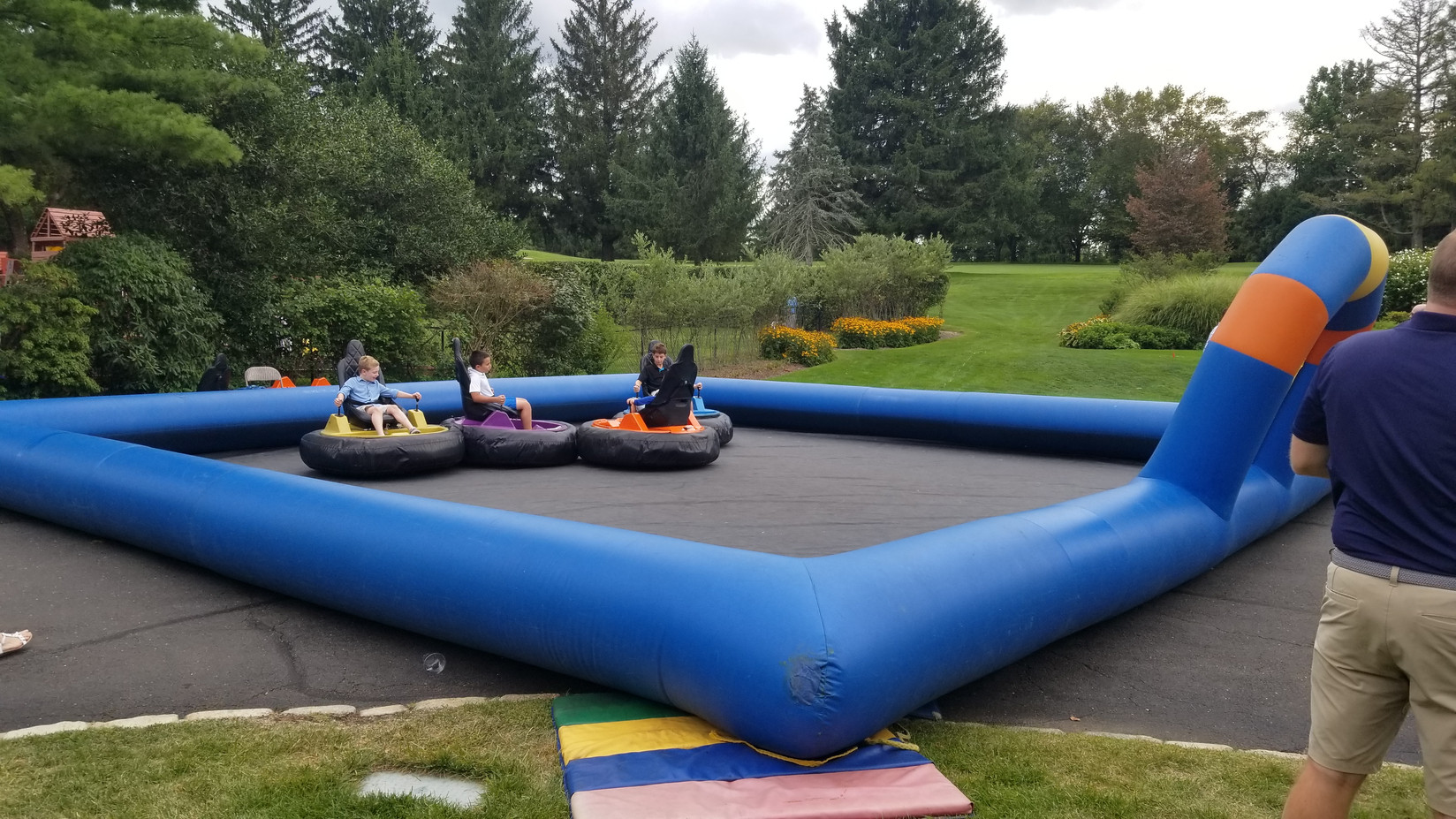 Bumper-Cars-In-Inflatable-Ring.jpg