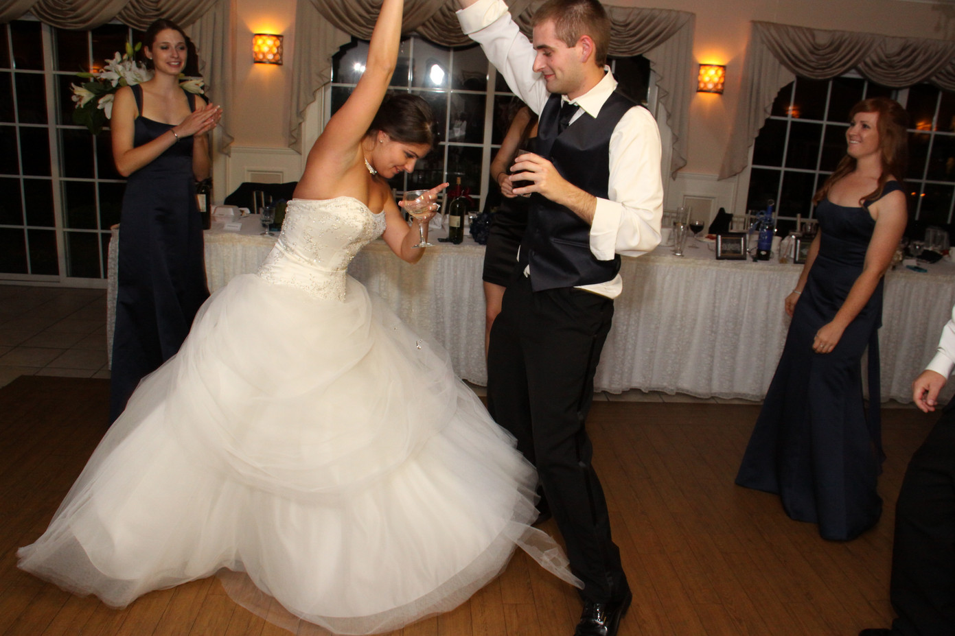 Bride-And-Groom-Sweet-Dance-At-The-Party.JPG