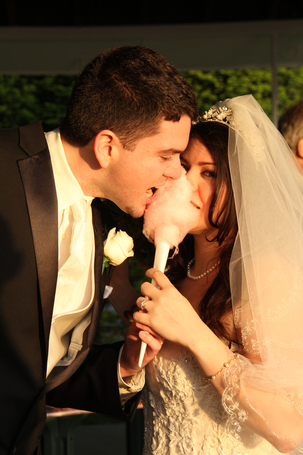 Cotton-Candy-For-Newly-Wedding.JPG