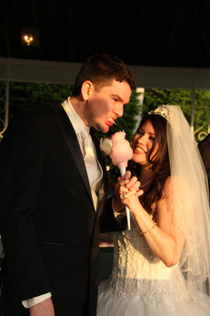 Cotton-Candy-For-Bride-And-Groom.JPG