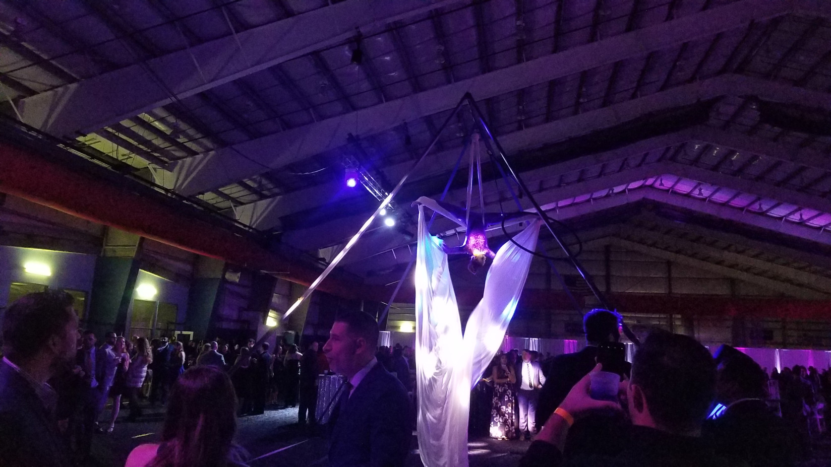 MME-Exposed-Ceiling-Beam-Aerialist-Show.jpg