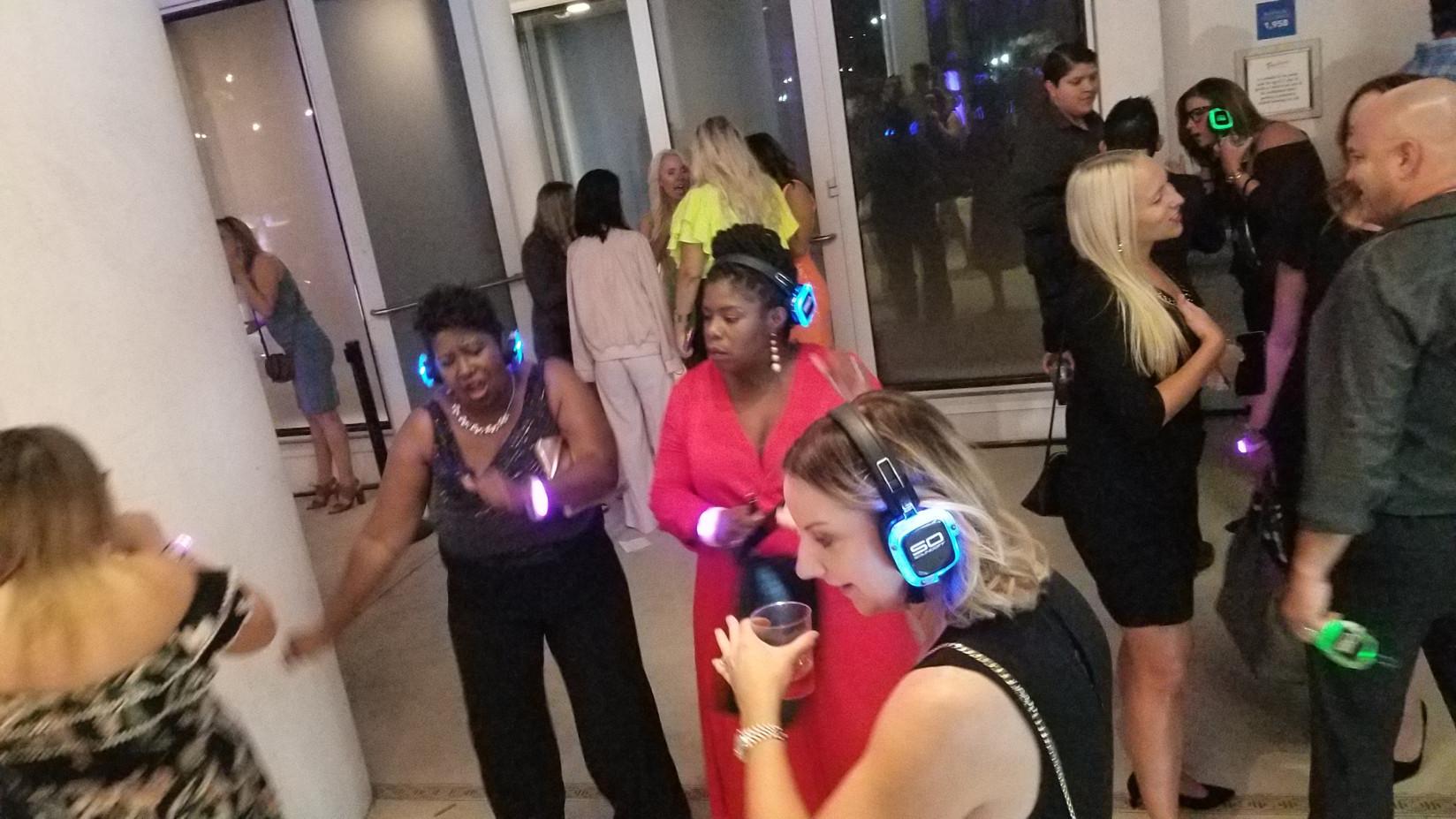 Silent-Disco-Party.jpg