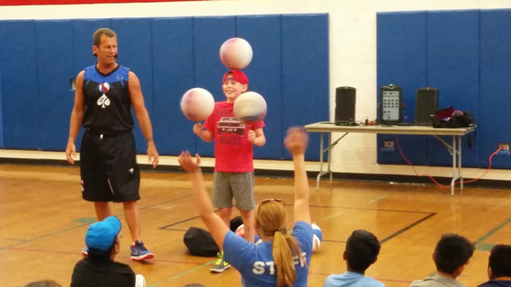 Basketball-Master-Teaching-Tricks.jpg