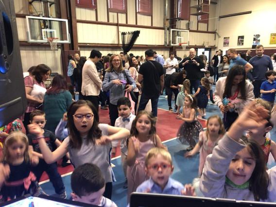 Kids-Group-Dance.jpg