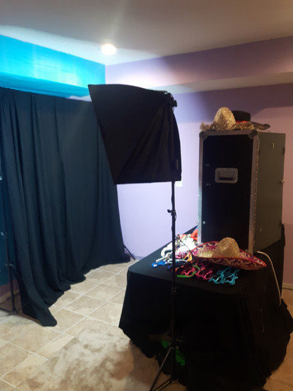 MME-Affordable-Photo-Booth-For-Rent.jpg