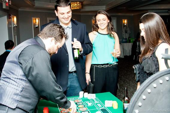Dice-Game-At-Casino.jpg
