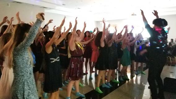 Motivational-Dancer-For-Teens-Party.jpg