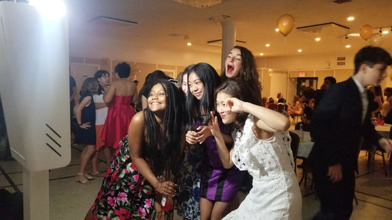 MME-Photo-Booth-For-Teens-Party.jpg