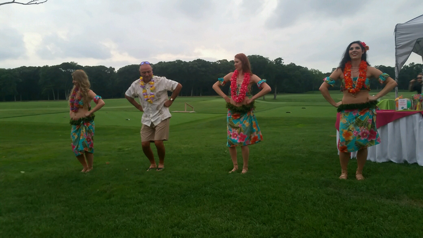 Hula-Dancer-For-Outdoor-Event