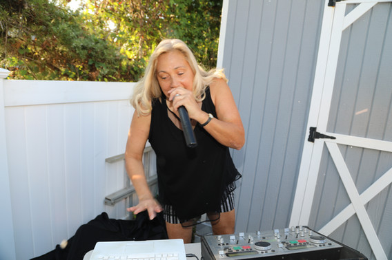 Event-Dj-For-Hire.JPG
