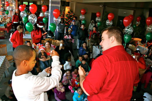 Interactive-Kids-Magic-Show-At-Birthday-Party.jpg