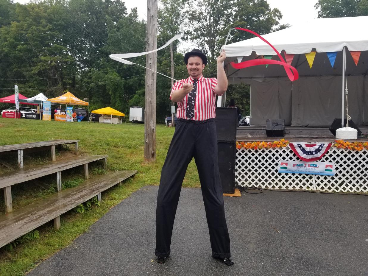 Stilt-Walker-Circus-Act.jpg