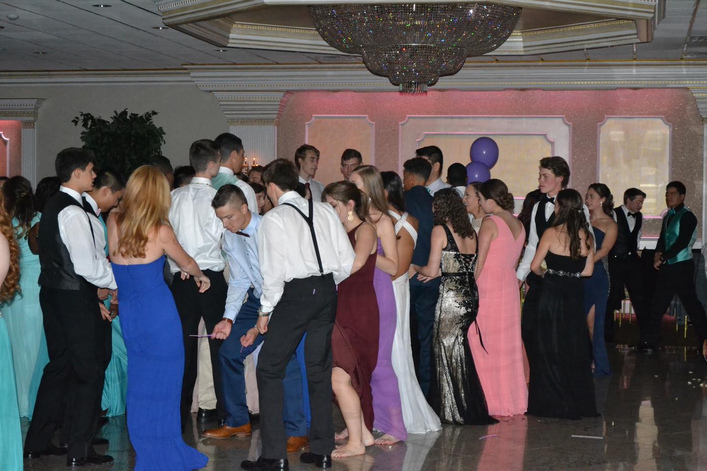 High-School-Prom-Dance-Attendees.JPG