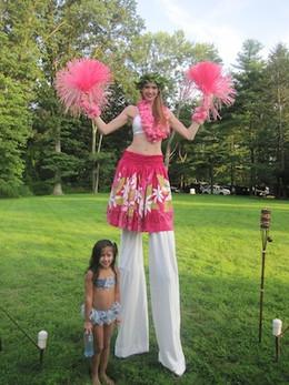 Hula-Dancer-With-Little-Girl.jpg