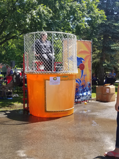 Dunk-Tank-For-Summer-Events.jpg