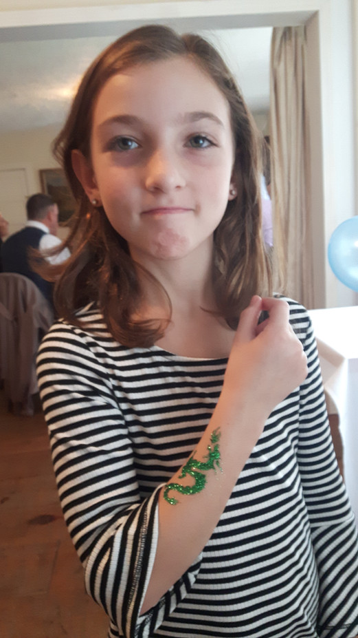 Hand-Glitter-Tattoo-For-Girl.jpg
