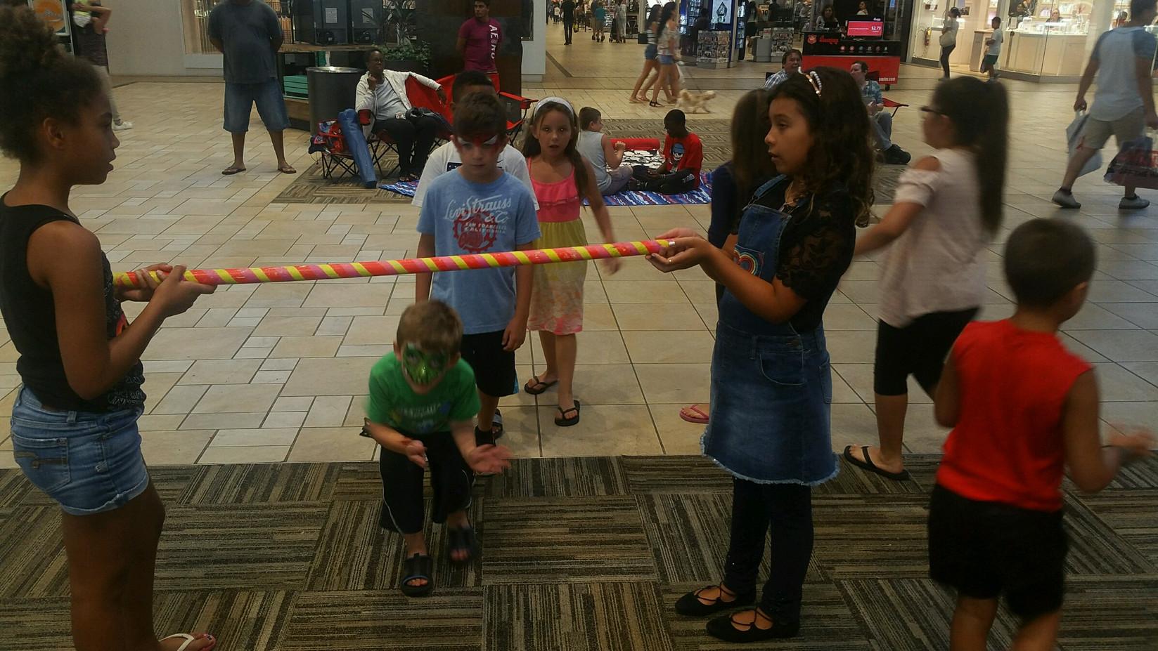 Limbo-Dance-For-Kids-Party.jpg