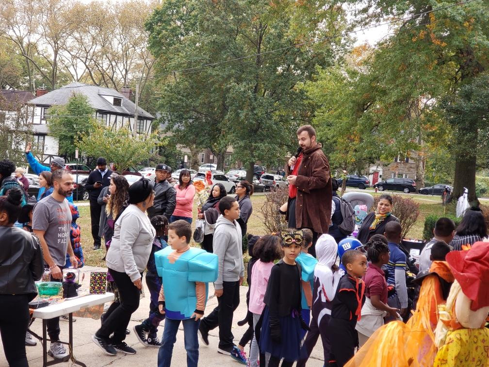 Stilt-Walker-At-Kids-Event.jpg