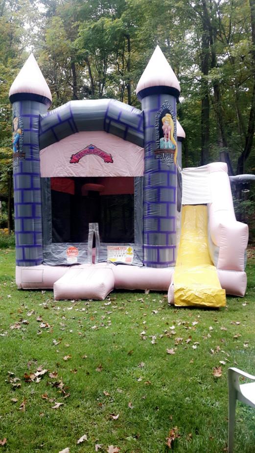 Jumpy-Castle-Rental.jpg