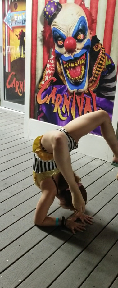 Circus-Contortionist.jpg