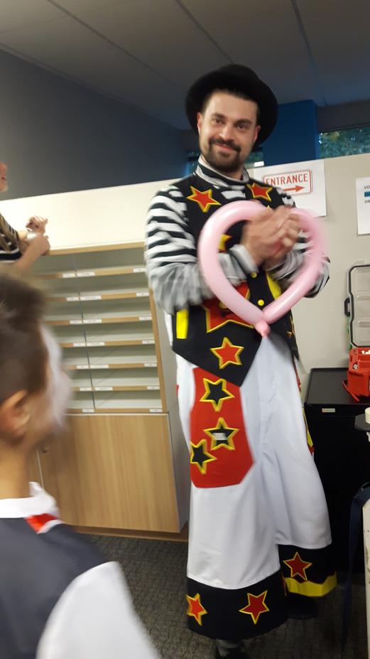 Clown-Balloon-Twister.jpg