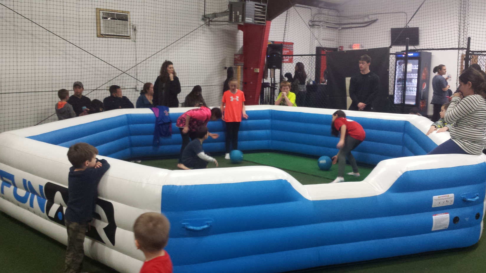 Inflatable-Gaga-Pit-For-Kids.jpg