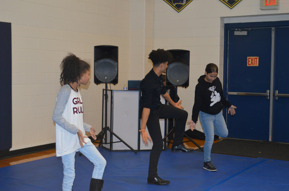 Magical-Memories-Entertainment-Dance-Instructor.JPG