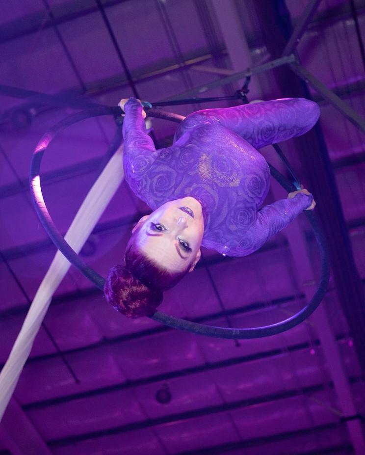 MME-Lollipop-Stand-Aerialist.jpg
