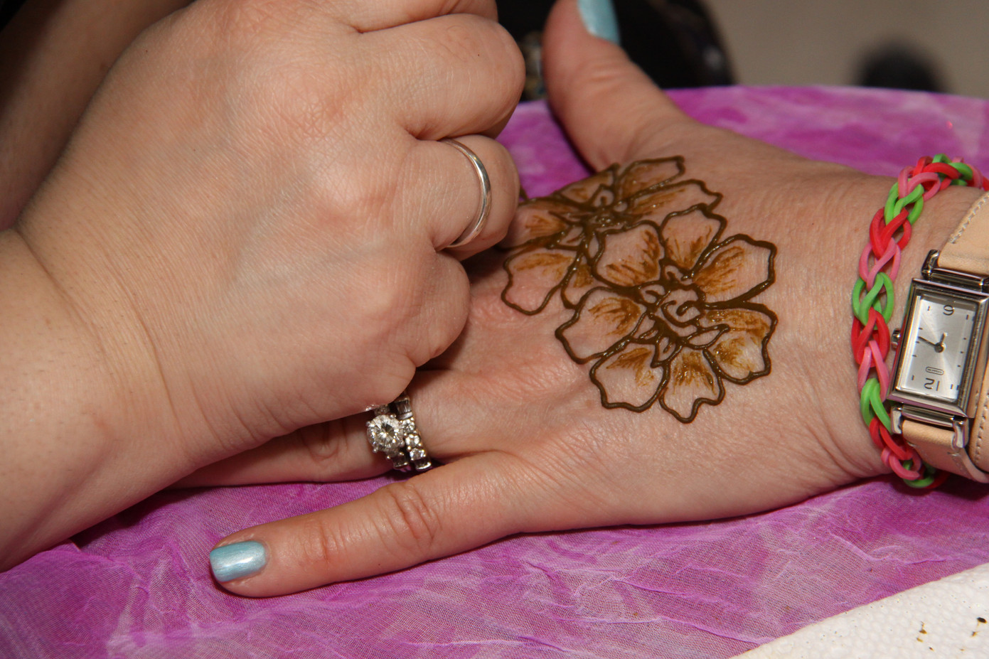 Henna-Tattoo-For-Hand.JPG