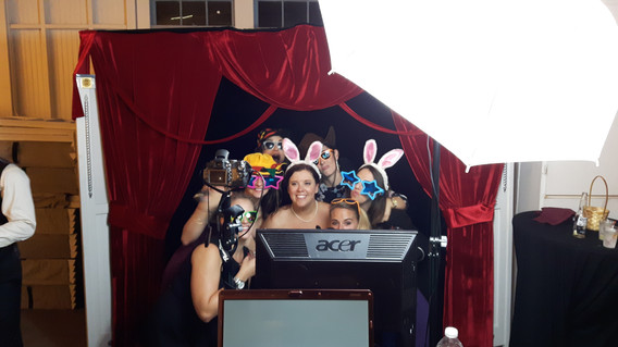 MME-Fun-Props-Specialty-Photo-Booth.jpg
