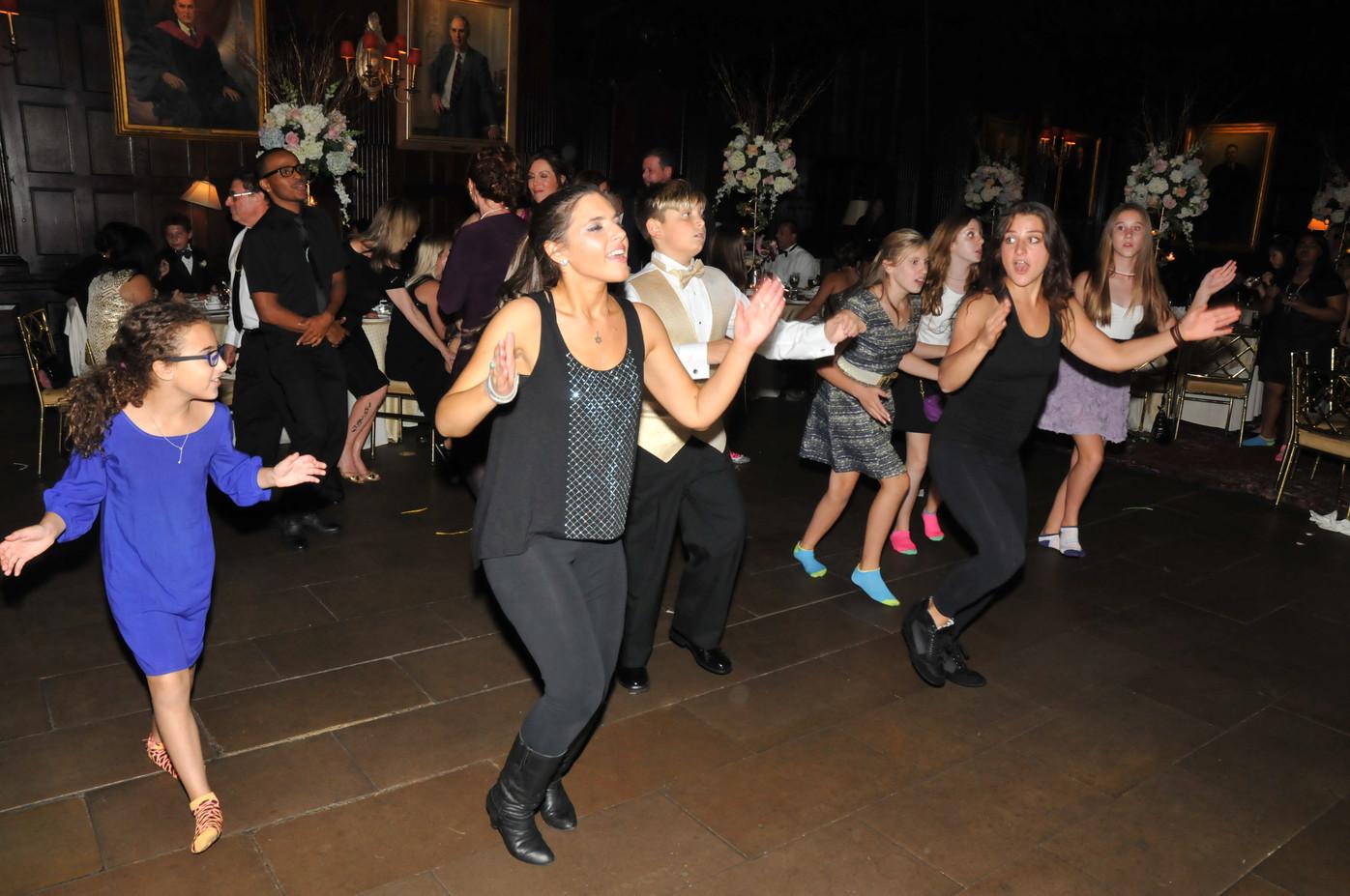 Motivational-Dancer-For-Party.JPG