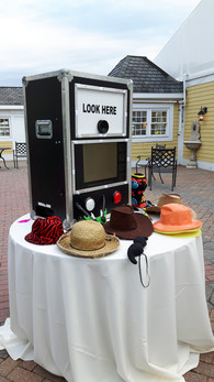 Affordable-Open-Air-Photo-Booth.jpg