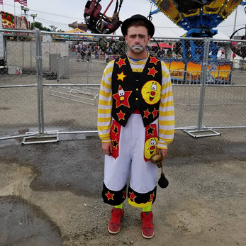 Birthday-Party-Clown-For-Hirejpg