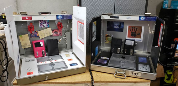 Two-Portable-Escape-Game-Box.jpg