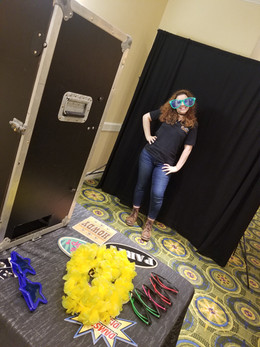 Open-Air-Photo-Booth-With-Props.jpg