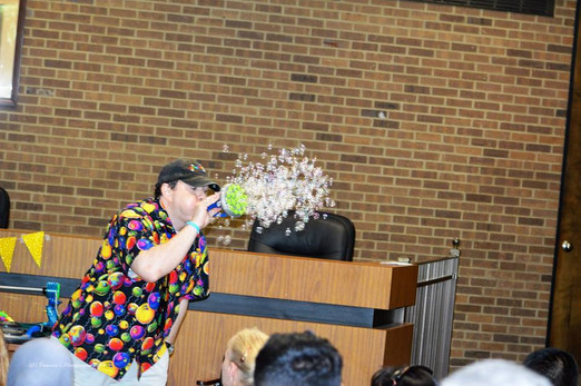 Bubble-Entertainer-At-Party.jpg