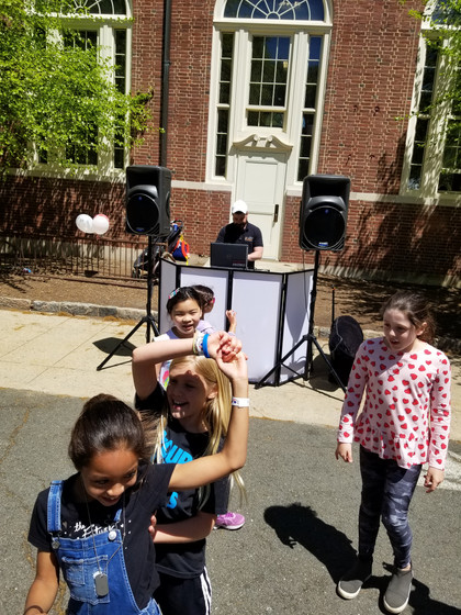 Outdoor-Kids-Activity-With-MME-Speaker.jpg