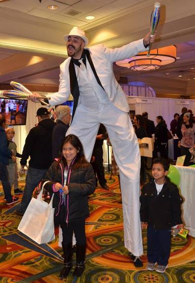 Mall-Entertainment-Stilt-Walker-And-Kids.jpg