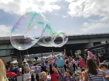 Giant-Bubble-Entertainment.jpg