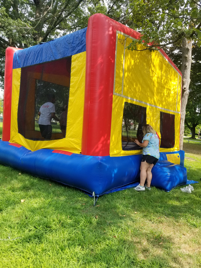 Inflatable-Bounce-Houses-For-Kids.jpg