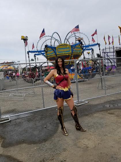 Wonder-Woman-At-Circus.jpg