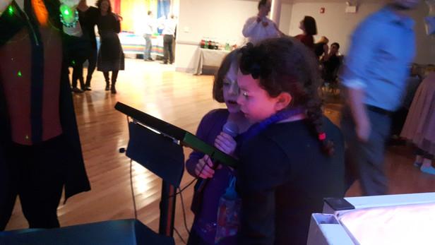 Karaoke-Singing-Party.jpg