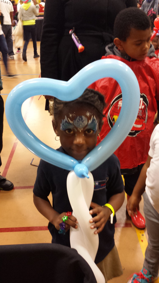 Heart-Balloon-Twisting-Design-For-Kids-Party.jpg