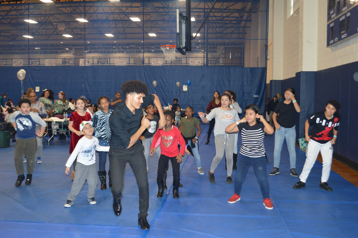 Motivational-Dancer-For-Kids-Event.JPG