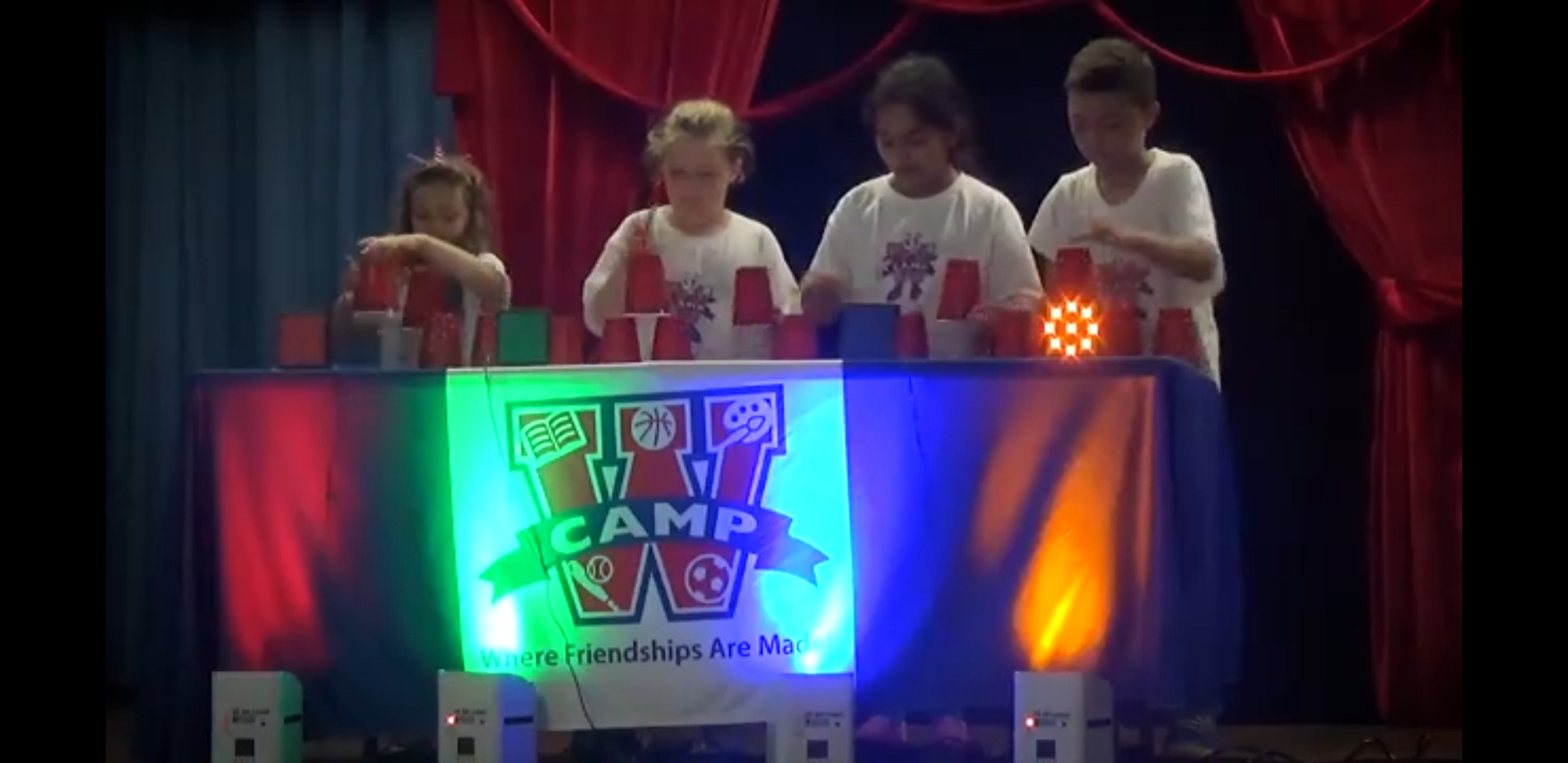 Minute-To-Win-It-Using-Plastic-Cups.jpg