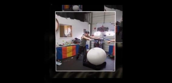 Balloon-Grand-Entrance-at-Event.jpg