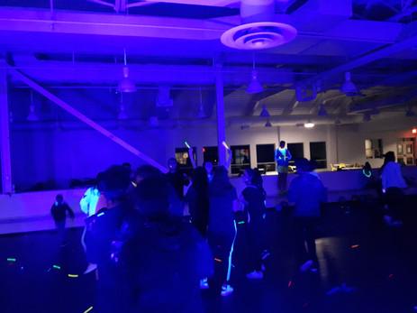 UV-Black-Light-Glow-Party-Guest
